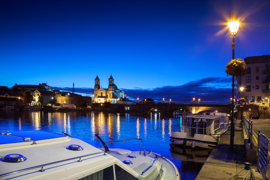medium-Athlone_by_night-L.jpg