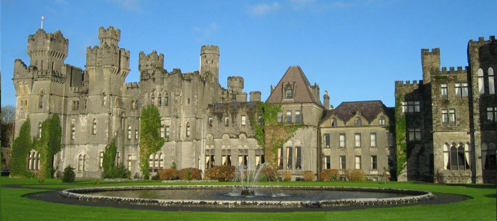 Ashford_Castle_in_County_Mayo v2