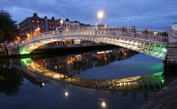 2e1ax_default_entry_Dublin-Bridge.png