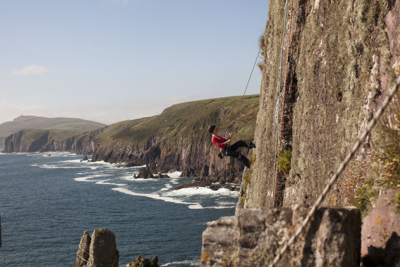 web-1561rockclimbingdingle.jpg