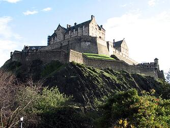 edinburgh-castle-2-1219604