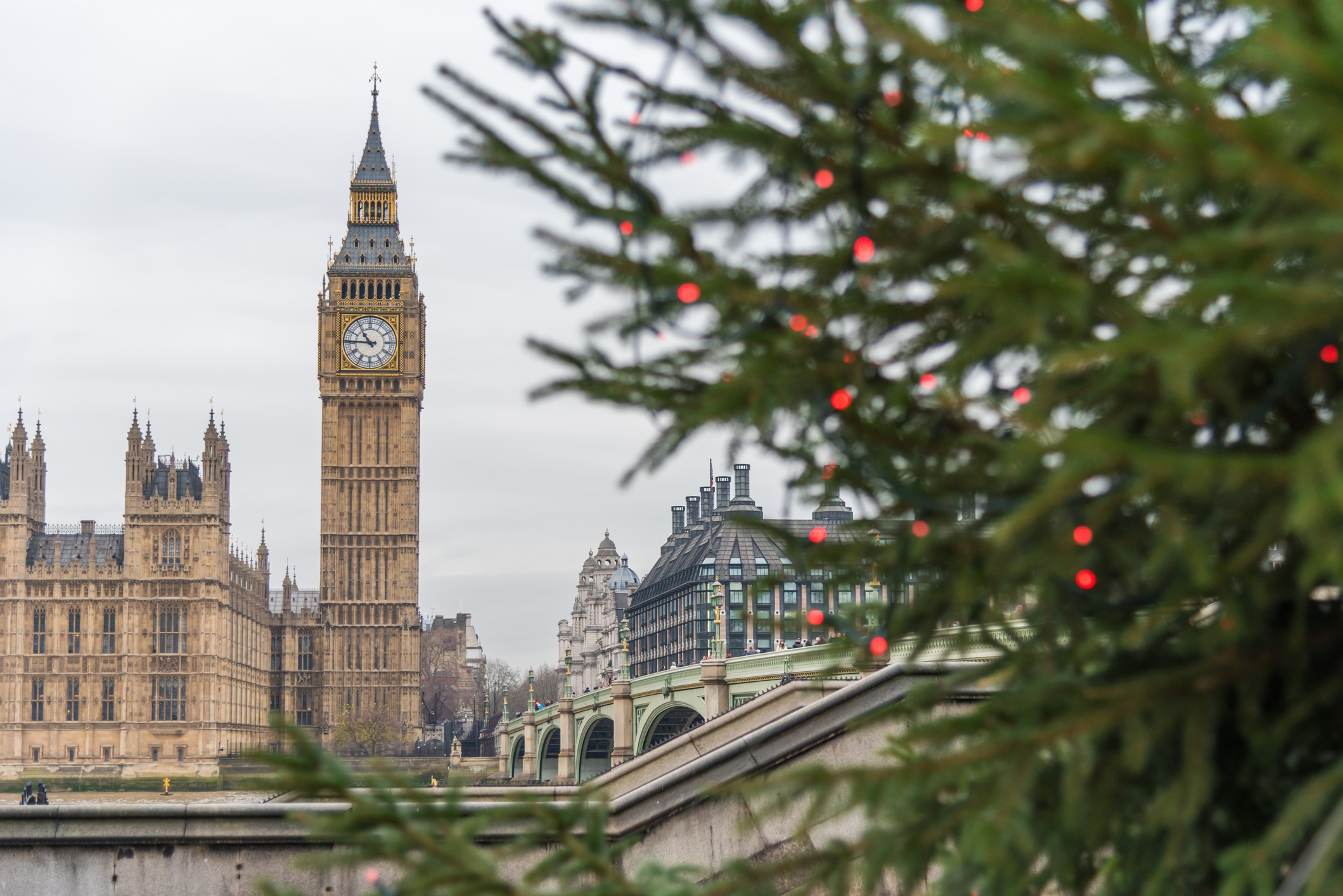iStock-851803988_Big Ben Christmas lights