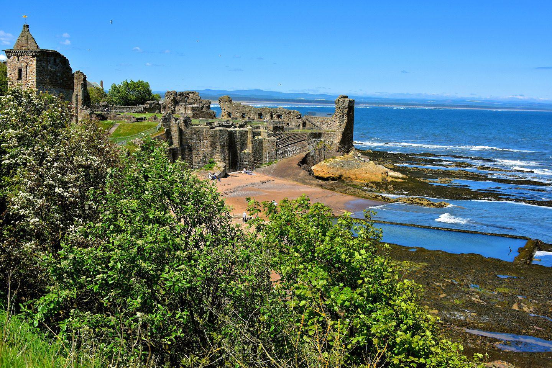 Scotland-St-Andrews-St-Andrews-Castle-Castle-Sands-1440x961